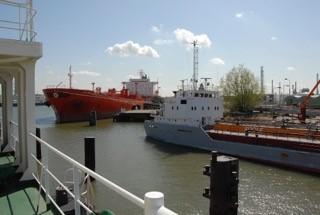 A sunny day at Vlaardingen